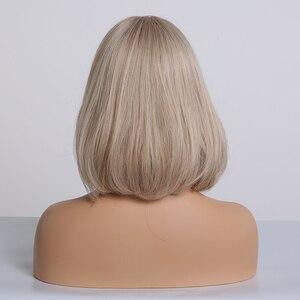 Image 3 - ALAN EATON perruque synthétique lisse, courte Bobo Lolita, avec Part centrale, gris cendré blond clair, résistante à la chaleur, pour femmes