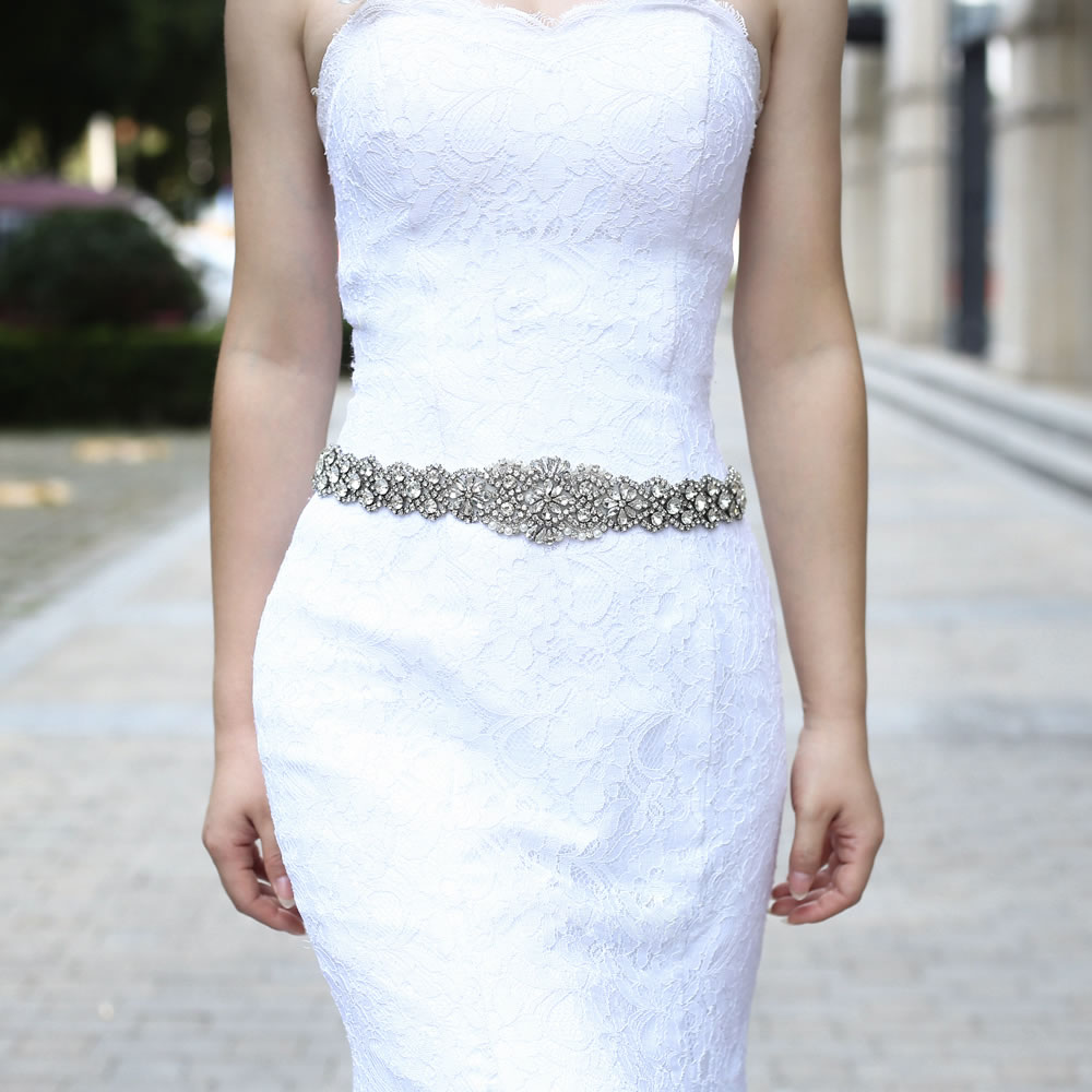 Birdal Sash Red Satin Crystal Bride Belt Handmade Wedding Accessories Rhinestone Wedding Dress Belt for Bridal Gowns