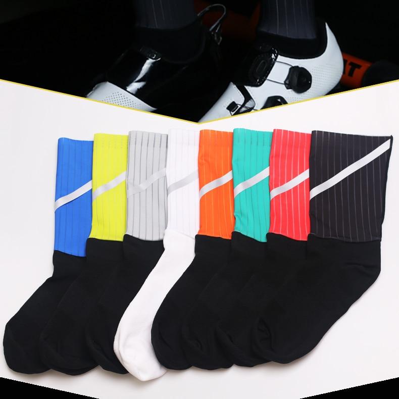 Купить с кэшбэком DH SPORTS Brand Quality Professional Cycling Socks Breathable Bicycle Socks Outdoor Mountain Bike Sock Printing Racing Footwear