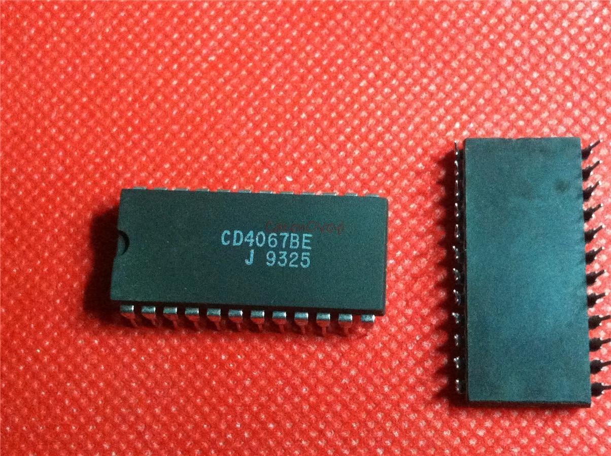2pcs/lot CD4067BE CD4067 DIP-24 In Stock
