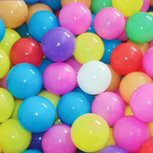 цена на 50/100pcs Colorful Water Pool Toys Ocean Balls Outdoor Play plastic Ball Funny Baby Kids Swim Pit Toy Water Pool Ocean Wave Ball