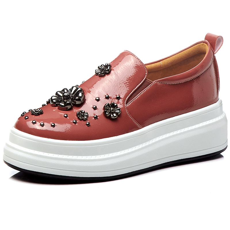 2019 New Slip-On Patent Leather Spring Platform Shoes Women Height Increasing Rivets Metal Decoration Loafers Wedge Shoes Female