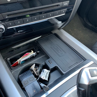 10W coche QI cargador inalámbrico cargador de teléfono móvil bandeja de carga rápida soporte de taza de agua accesorios para BMW X5 F15 X6 F16