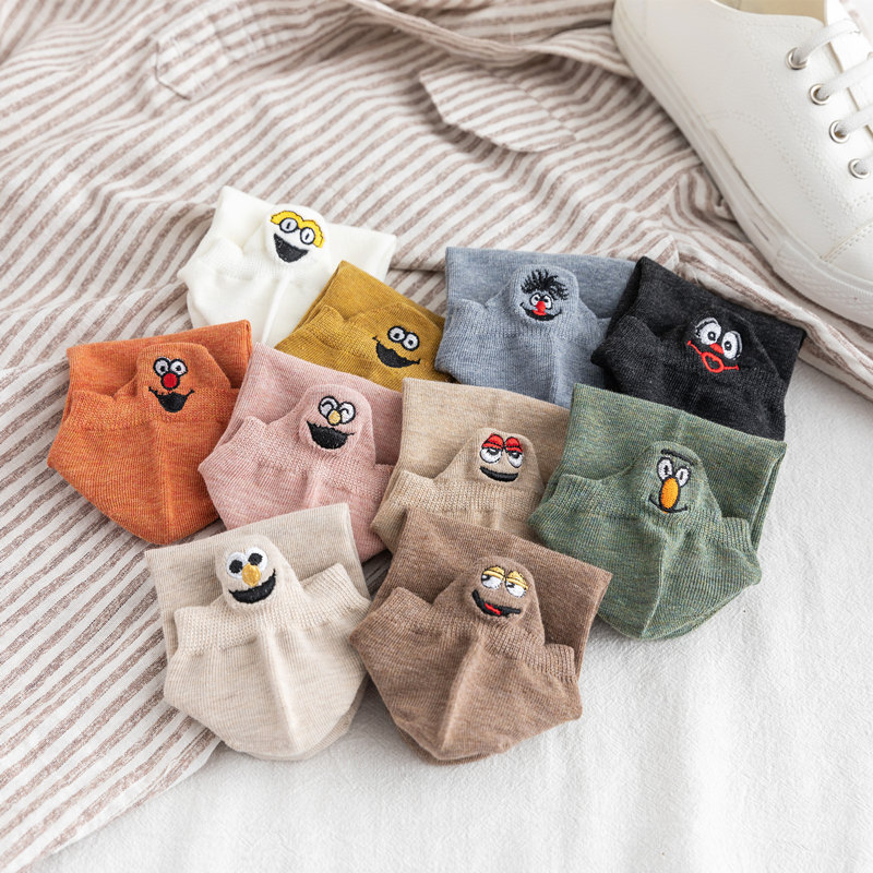 Kawaii Embroidered Expression Women Socks Cotton Kaos Kaki Wanita Socks Women Christmas Gifts Ankle 1 Pair