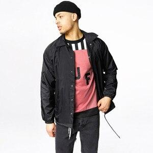Image 5 - Nylon jaqueta de hip hop streetwear preto liso treinador blusão leve à prova d água para os homens do vintage