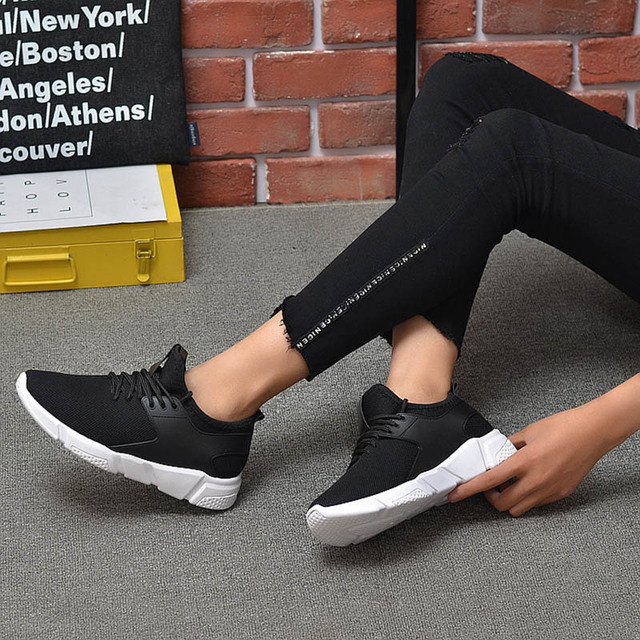 Men's Casual Shoes 2020 New Men's Sports Shoes Light Comfortable Casual Fashion Belt Fitness Mesh Flat Shoes Sneakers 2