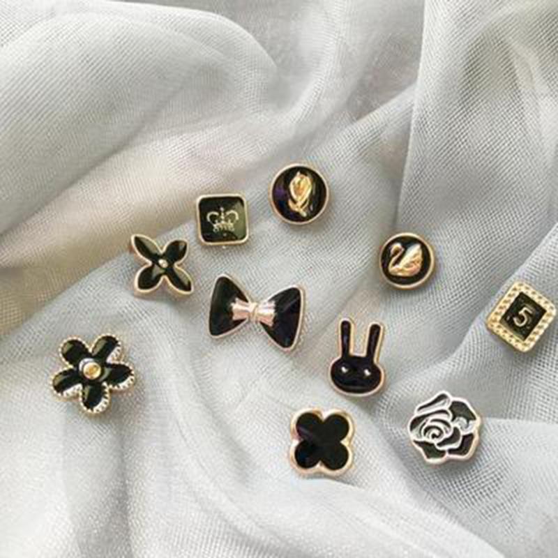 10Pcs Prevent Accidental Exposure Buttons Brooch Pins Badge EIG88
