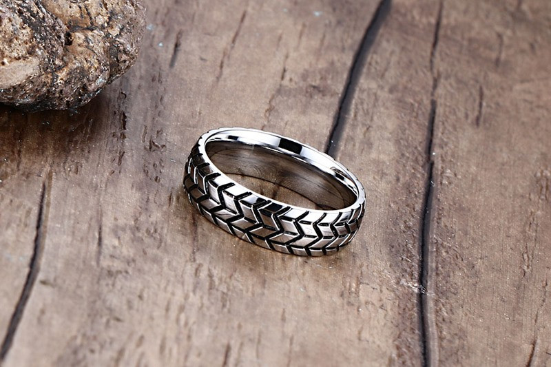 Classic Men's Stainless Steel Tire Style Ring