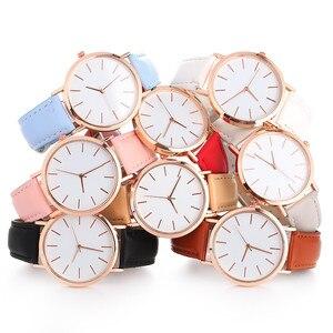 Image 1 - פשוט נשים שעון מזדמן סגסוגת נשים שעונים למעלה מותג יוקרה עור אנלוגי עגול קוורץ שעון יד Relogio שעוני יד
