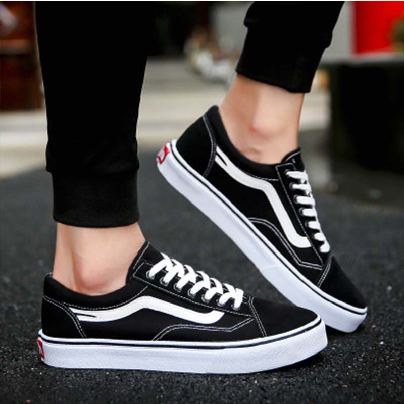 2019 Men's Shoes Couple Shoes Flat-soled Canvas Shoes Men's Black-and-White Skateboard Shoes Breathable Comfortable Casual Shoes