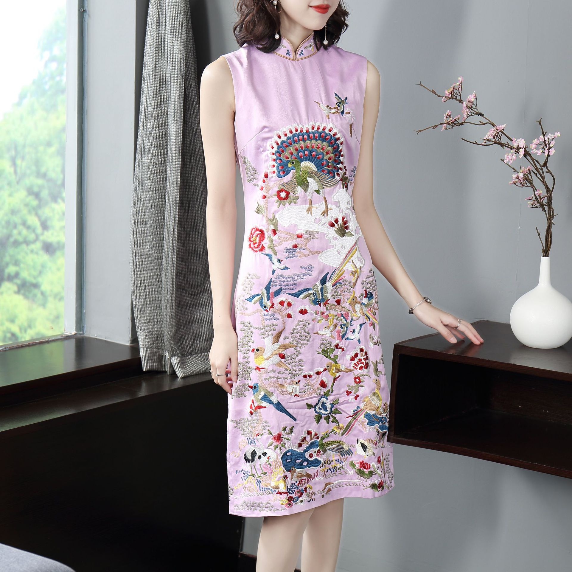 2020 Evening Party Cheongsam Embroidery Sleeveless Dress Chinese Evening Dresses Long Qipao Party Dress Embroidery Cheongsam