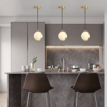 Подвесной светильник в скандинавском стиле со стеклянным шариком, маленький золотой светильник с 3 головками для гостиной, столовой, спальн...