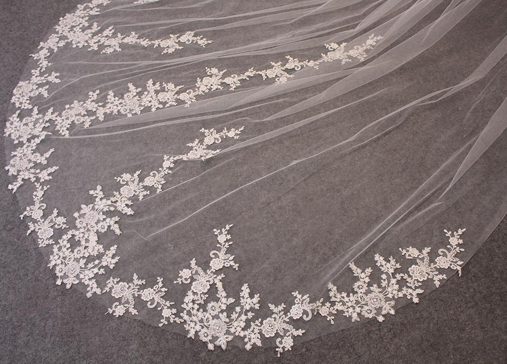Long Lace Wedding Veil One Layer White Ivory 3.5 Meters Bridal Veil Voile Mariage Cathedral Veil with Comb 2020