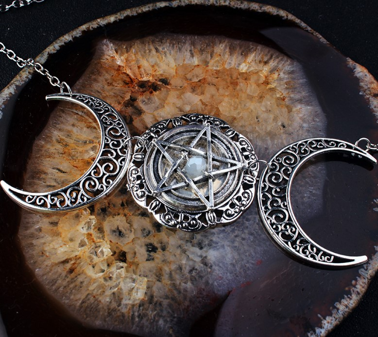 Vintage Wiccan Moon Pentagram Necklace