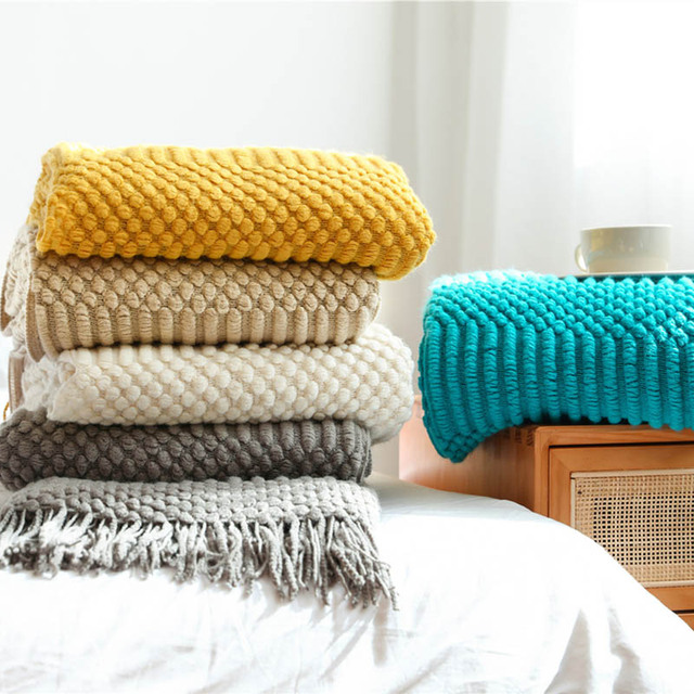 Plaid nordique de couleur uni en polyester Plaids et Couvertures Cocooning.net