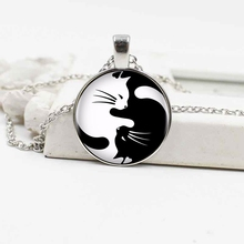 2019 fashion black and white yin yang cat crystal glass pendant necklace accessories