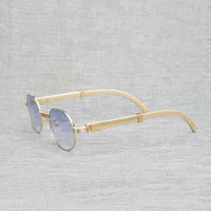 Image 2 - Vintage White Black Buffalo Horn Sunglasses Men Round Natura Wood Eyewear for Woemn Outdoor Clear Glasses Frame Oculos Shades