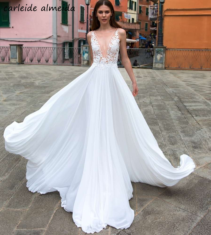 A-Line V-Neck Sexy Wedding Dresses African  Lace Appliques Sweep Train Simple Bride Dress