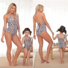 С леопардовым принтом для мам и дочек подходящие купальники