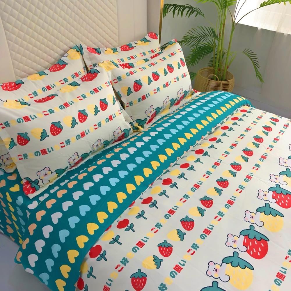 4 Pieces Bear Bedding Set Cartoon Duvet Cover 3D Print Strawberry Bed Quilt Cover For Bedroom Home Bed Cover Set With Bed Sheet 3