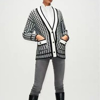 2019 autumn and winter new classic black and white plaid V neck women knit cardigan jacket