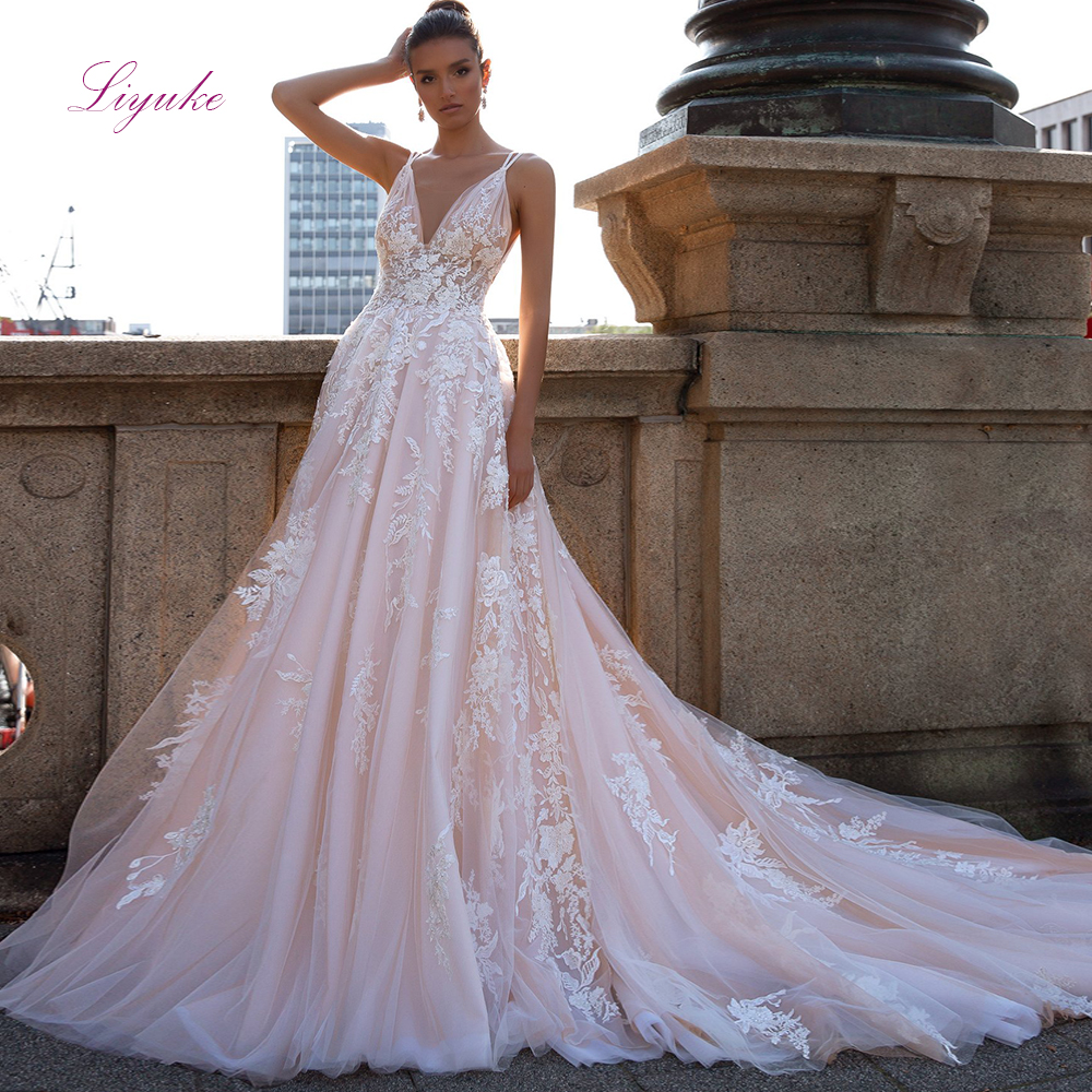 Liyuke A-line Married Wedding Dress Lace Appliques V-Neck Sequined Spaghetti Straps Backless Customized Royal Train