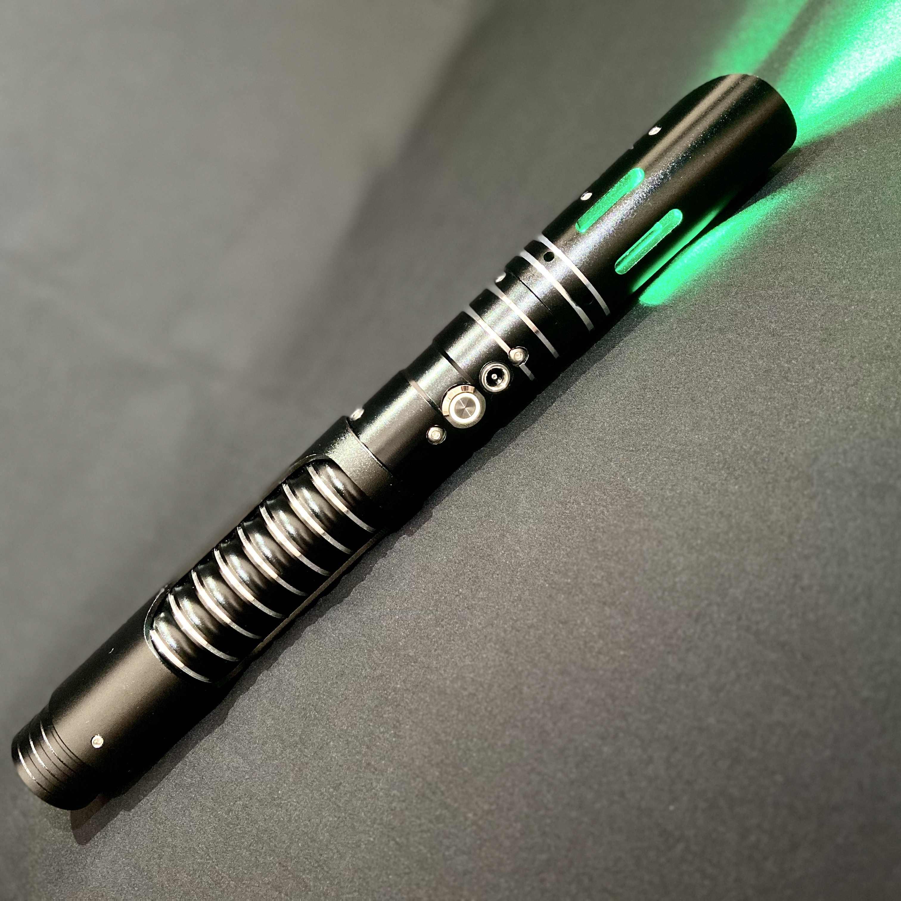 Txqsaber Cosplay Lightsaber dengan Lampu Suara LED Merah Hijau Biru Saber Laser Pedang Mainan Bintang Ulang Tahun Anak Hadiah Permainan