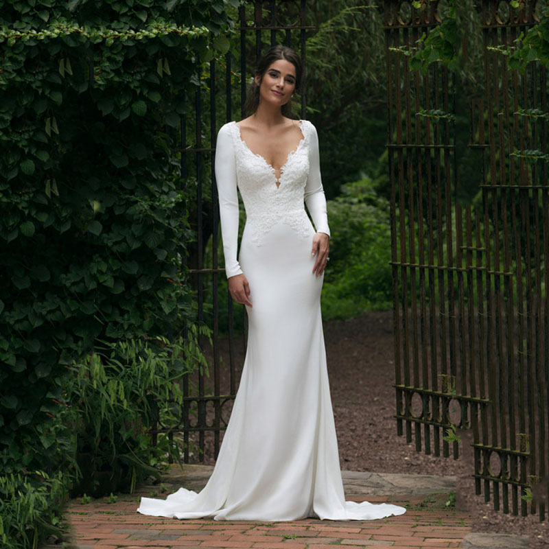 V Neck Floor Length Long Sleeve Mermaid Wedding Dress 2019 See Through Illusion Back White Bridal Gowns With Lace Appliques