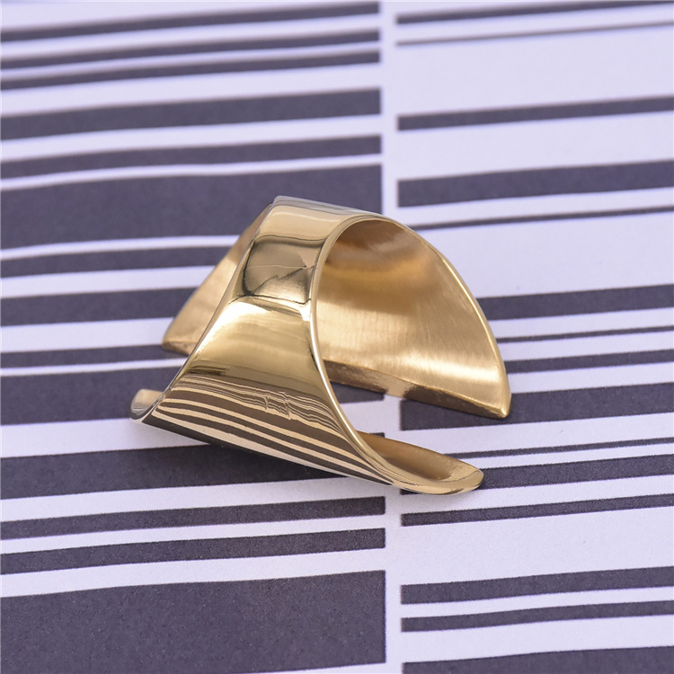 Luxury gold color plated finger ring jewelry titanium steel rings fashion jewelry casting ring for women free shipping in Rings from Jewelry Accessories