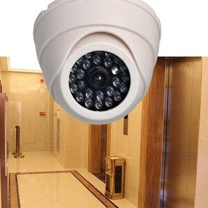 Zewnętrzna kamera CCTV fałszywa symulacja Dummy kamera domowa nadzór bezpieczeństwa kopuła Mini kamera migająca lampa LED fałszywa kamera czarna