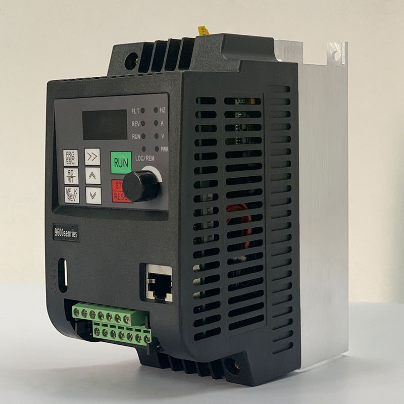 380 V 0.75kW Motor Inverter Single Phase Input 3-Phase Output Variable Frequency Drive Converter Variable Frequency Controller