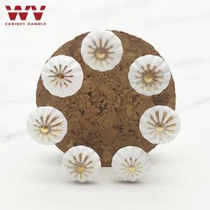 Image 2 - Malowane bańki paznokci Sofa paznokci dekoracji paznokci pinezki Tack antyczne paznokci okrągłe głowy paznokci może ściany biały kwiat paznokci sprzętu
