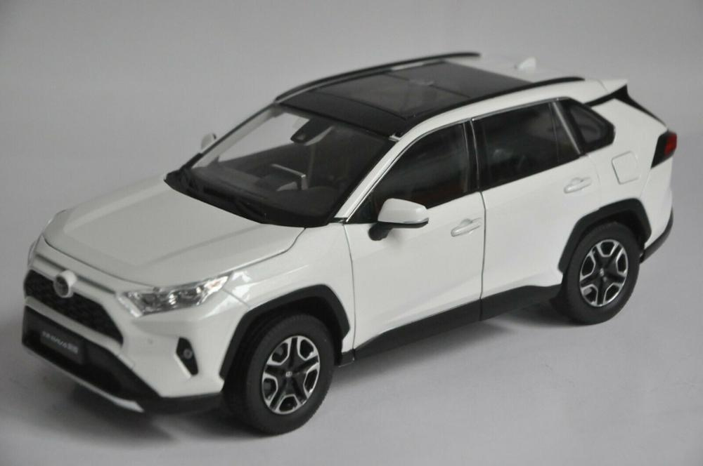 1:18 Diecast Model For Toyota RAV4 2020 White SUV Alloy Toy Car Miniature Collection Gifts Hot Selling RAV 4