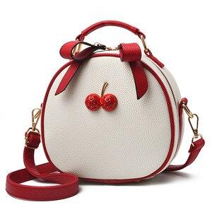 Image 1 - Женская сумка, сумка мессенджер, сумки на плечо для женщин, новинка 2020, модная маленькая белая и черная сумка в Корейском стиле, сумки на плечо