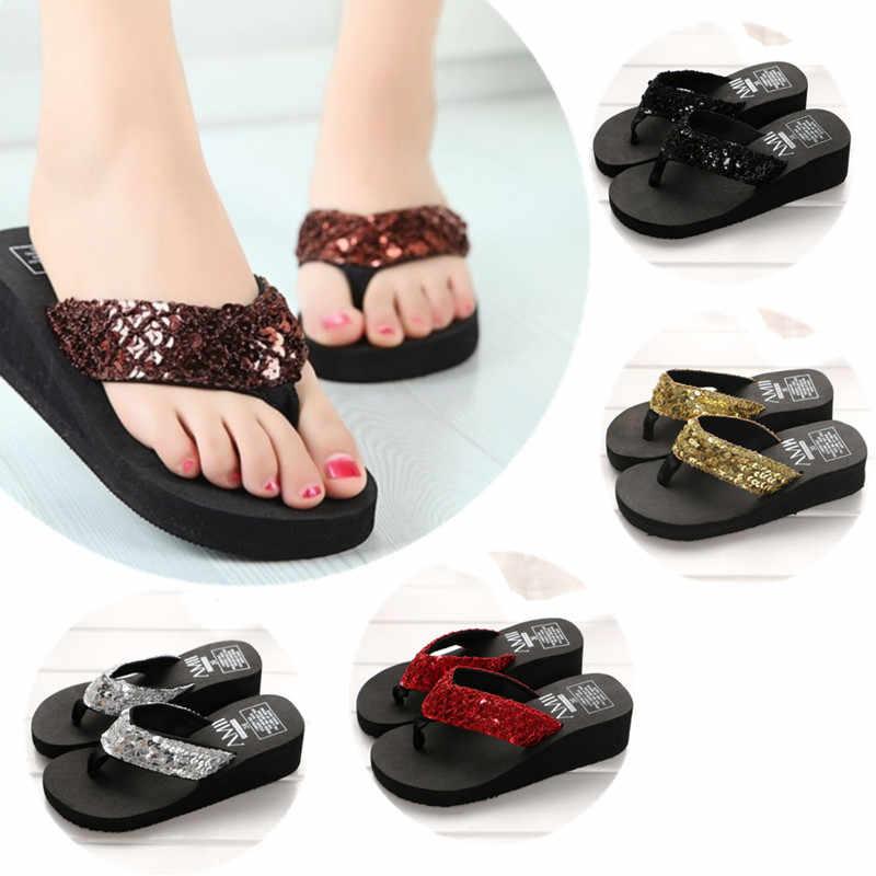 Yeni varış kadın moda platformu orta topuk Flip flop plaj sandaletleri ilmek terlik ayakkabı yumuşak rahat kadın yaz ayakkabı