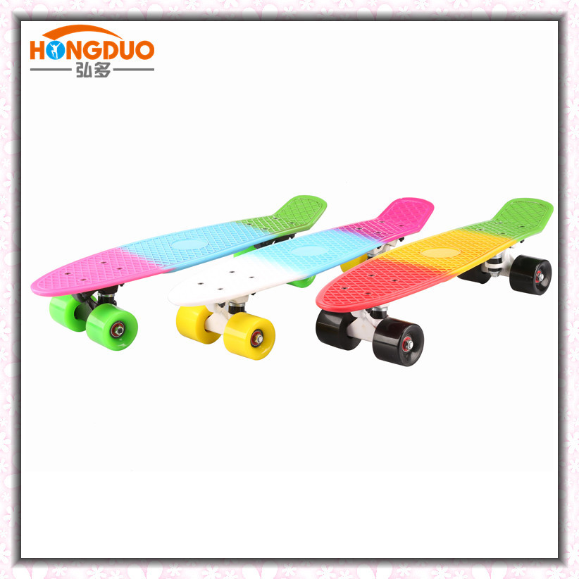 Manufacturers Direct Selling New Style Three-Color Skittles Ban Color Artwork PP Plastic Four Wheel Skateboard Banana Fish Skate
