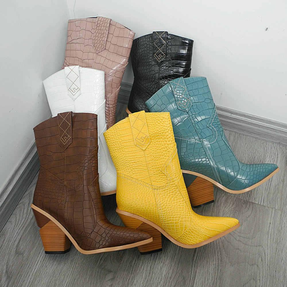 Marka sonbahar kış yarım çizmeler kadınlar için batı kovboy botları pembe mavi leopar sarı yılan baskı bayanlar çizmeler yüksek topuklu ayakkabılar