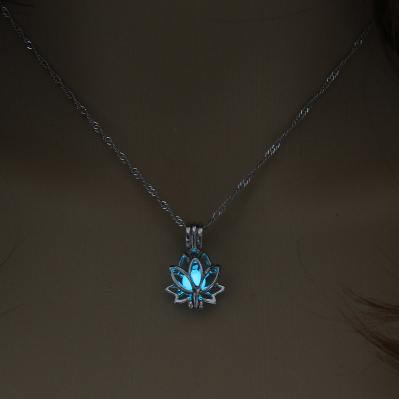 H7bd252db3bec44c2bc51fd9c32fde194e - 3 Colors Glowing In The Dark Lotus Flower Shaped Pendant Necklace Charm Chain Delicacy Necklace Luminous Party Jewelry Women