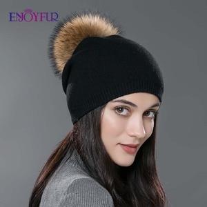 Image 4 - Kadın kış şapka yün örme kasketleri kap gerçek doğal tilki kürk ponpon şapkalar katı renkler gorros kap kadın rahat şapka