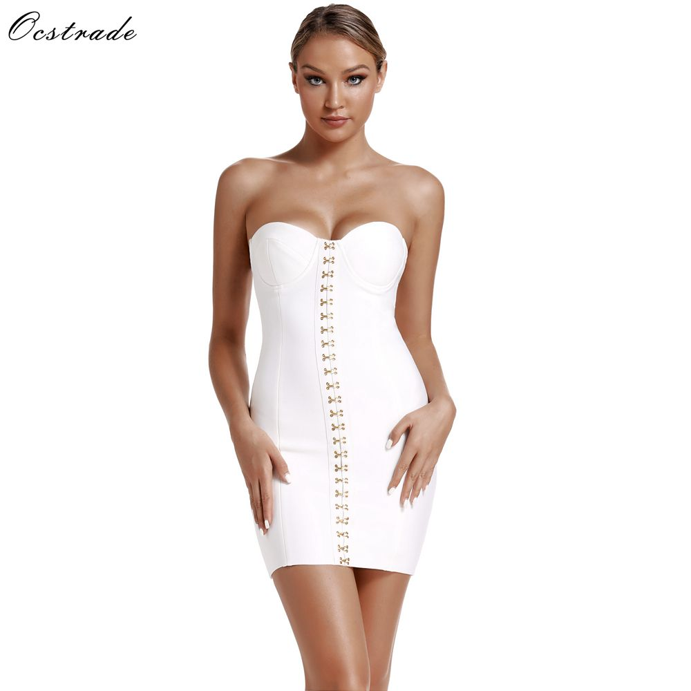 Club Bustier Arrival for