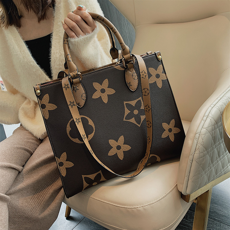 2020 Autumn And Winter Ladies Bags New 2020 Korean Version Of The Wild Messenger Chic Shoulder Hand Bag Large BA135