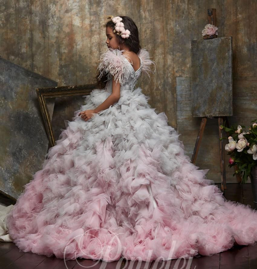 da menina flor para o casamento frisado