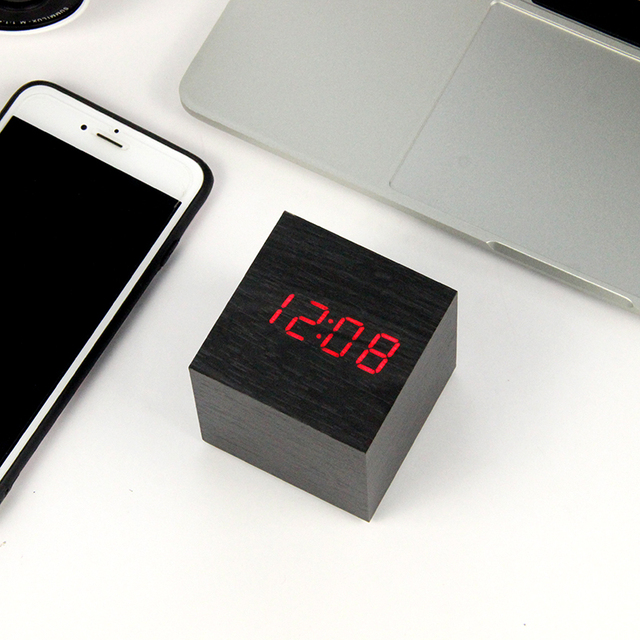 LED Legno Alarm Clock Orologio Da Tavolo di Controllo Vocale Digitale di Legno Despertador Desktop Elettronico USB/AAA Alimentato Orologi Da Tavolo Decor 4