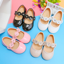 Little Girl Party Shoes For Kids Princess Sweet PU Patent Leather Floral Children Shoes Flowers Sweet Cute 21-30 2020 Spring New sweet shoes f20 ks1807