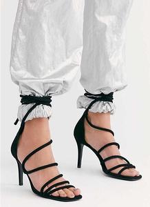 Женские замшевые летние сандалии; Женские однотонные черные Босоножки с открытым носком и ремешком на щиколотке; модельные туфли на высоко...