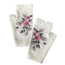 Women Winter Knitted Fingerless Gloves Floral Bee Embroidery Thumbhole Mittens N58F