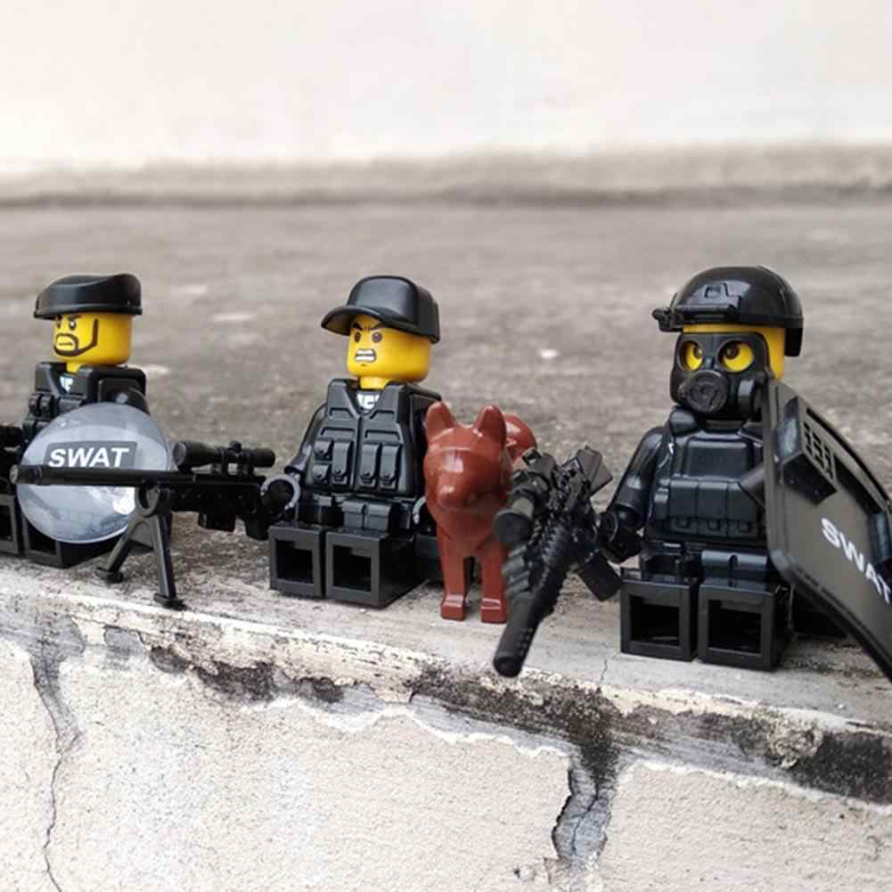 4 adet Askeri Özel Polis Kuvvetleri Bebek Süsleri Ekipman Maskesi Kalkanı Kahverengi Köpek Yapı Taşları Oyuncak Çocuklar için