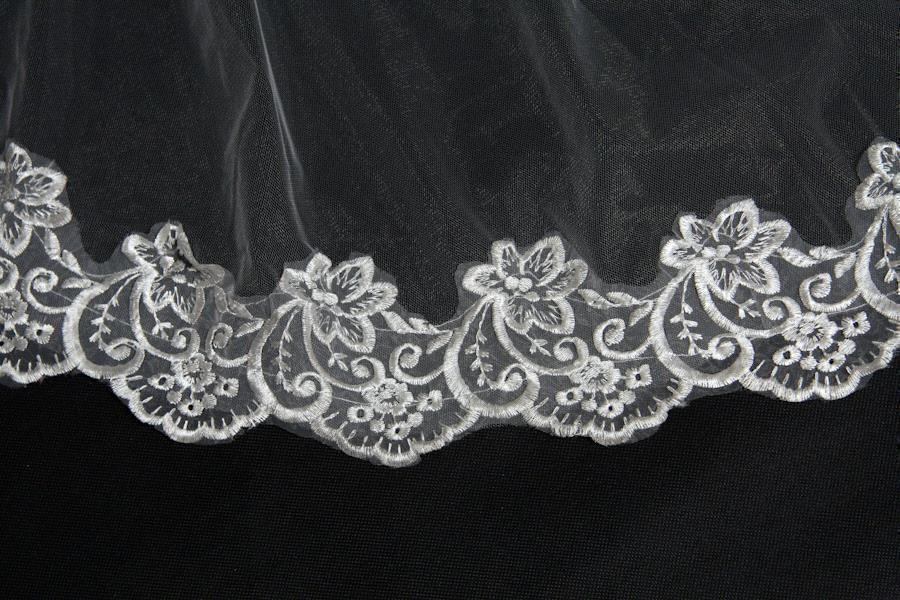 One Layer Lace Edge White Ivory Cathedral Wedding Veil With Comb Long Bridal Veils bride voile mariage Wedding Accessories 2019 in Bridal Veils from Weddings Events
