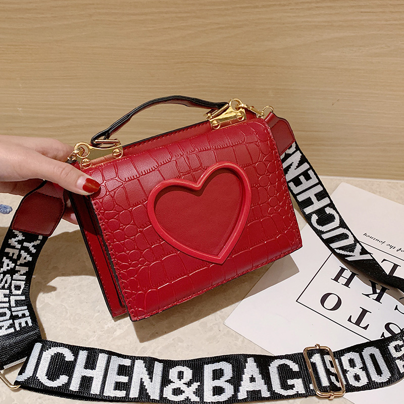 2020 New Arrival Women Bag Crossbody Bags For Women Heart Buckle Handbag Shoulder Bag Fashion Trend PU Leather Handbags