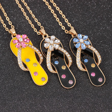 цены Fashion Colorful Painting Oil Rotating Flower Flip Flop Pendant Chain Necklace for Women Flip Flop Necklace Gift